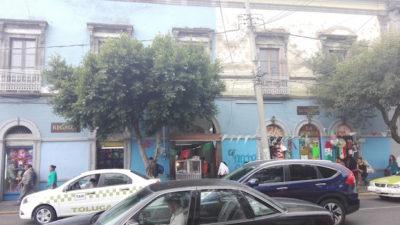 Se localizan en la calle Independencia, en el centro de Toluca (Foto: Ely García).